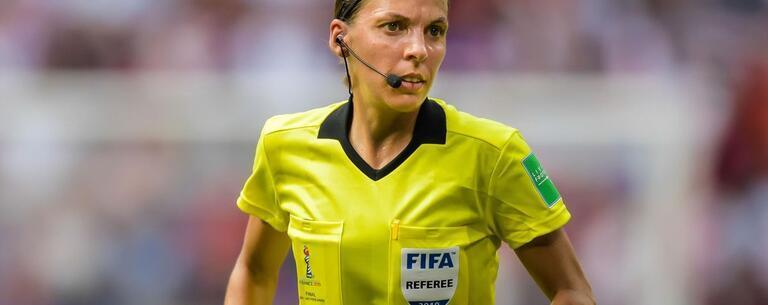 Milli maç kadın hakemi Stephanie Frappart ilgili bilgiler! Türkiye-İtalya maç hakemleri kimler?