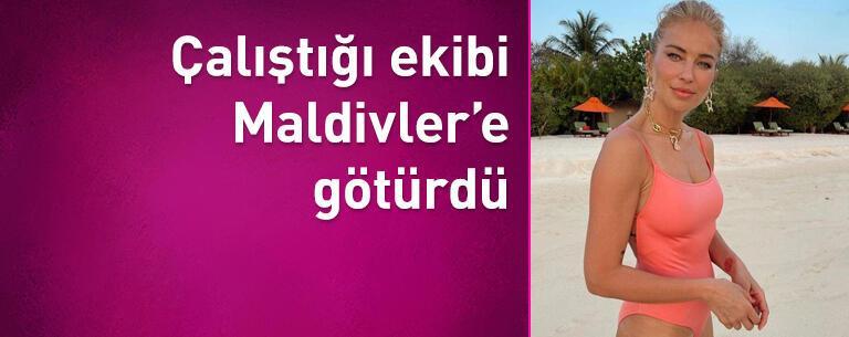 Burcu Esmersoy çalıştığı ekibi Maldivler'e götürdü