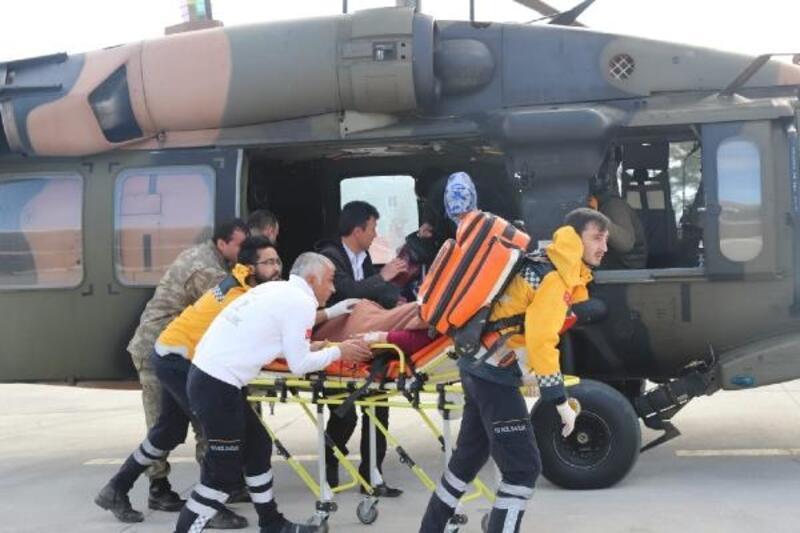 Hamile kadın, hastaneye 'Sikorsky' model helikopterle götürüldü