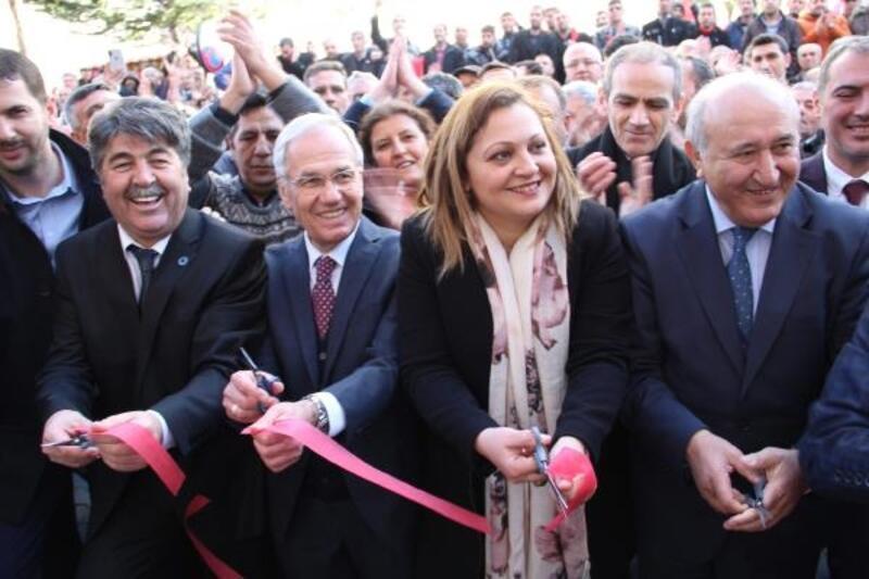 Dinar'da Millet İttifakı seçim bürosu açıldı