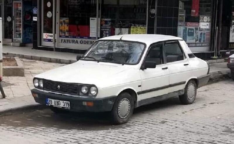 Çalmaya çalıştığı otomobilde uyuya kalan şüpheliyi araç sahibi uyandırdı