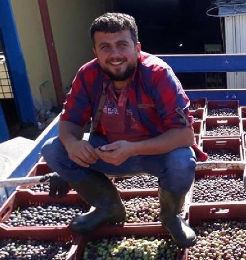 Halı sahada attığı gole sevinirken, kalp krizi geçirip öldü