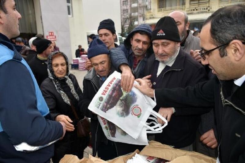 Amasya'da 'bez çanta' kuyruğu