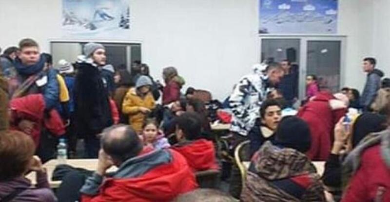 Kayak merkezinde yaklaşık 100 kişi mahsur kaldı