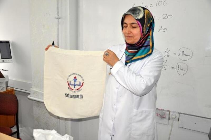 Sorgun Halk Eğitim Merkezi'nde bez çanta üretimi