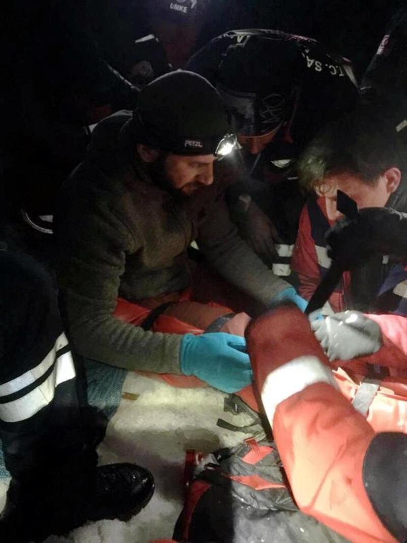 Yaralı dağcıyı AFAD ve UMKE ekipleri kurtardı