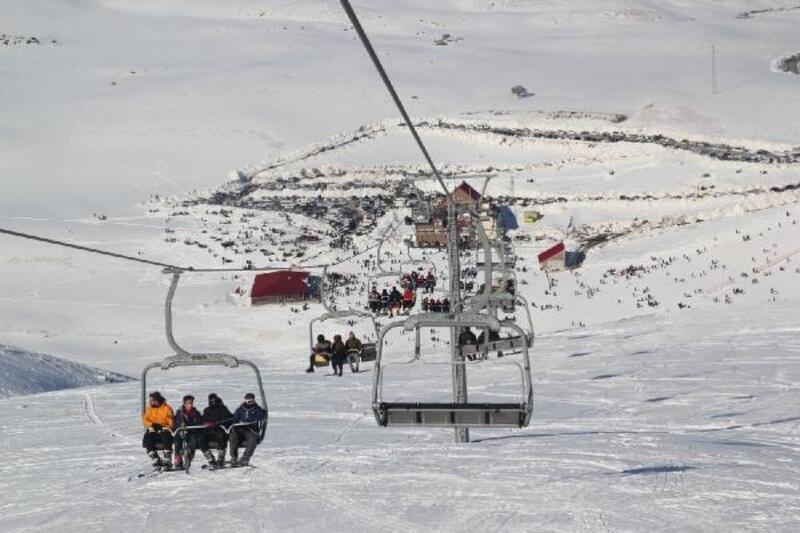 En uzun süreli açık kalan kayak merkezi Hesarek'i 55 bin kişi ziyaret etti