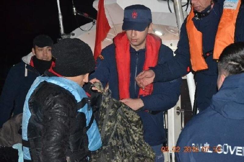 İzmir'de 38 göçmen yakalandı