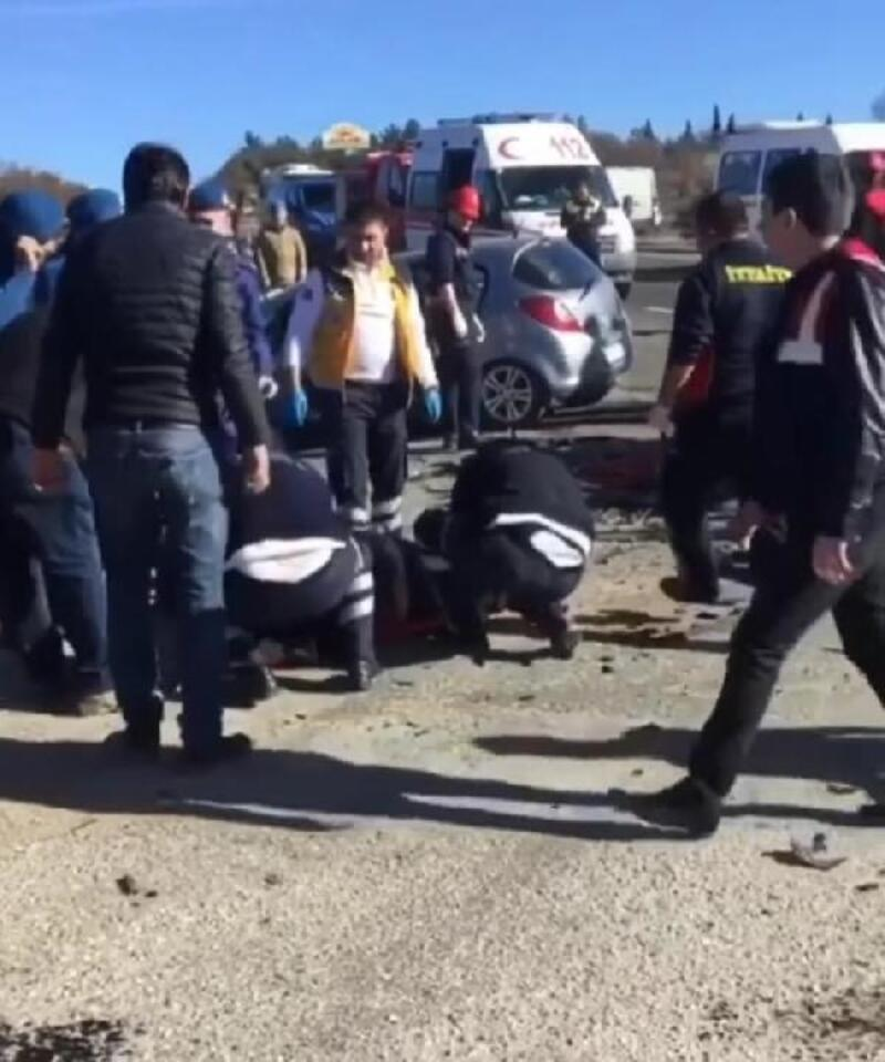 Uşak'ta otomobil ile cip çarpıştı: 4 ölü