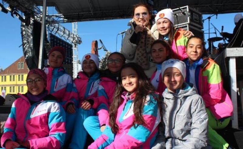 Ilgaz Kar Festivali'nde Demet Akalın konseri