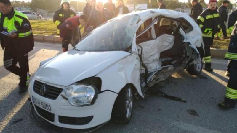 Kaymakamın koruma polisi, kırmızıda geçen minibüsün çarpmasıyla öldü