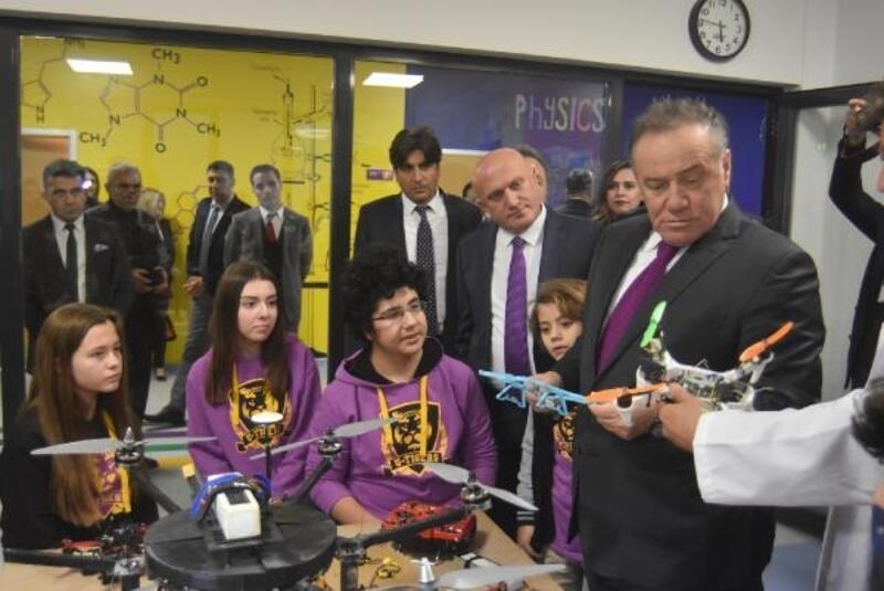 İzmir'e 50 milyon TL değerinde nitelikli eğitim yatırımı