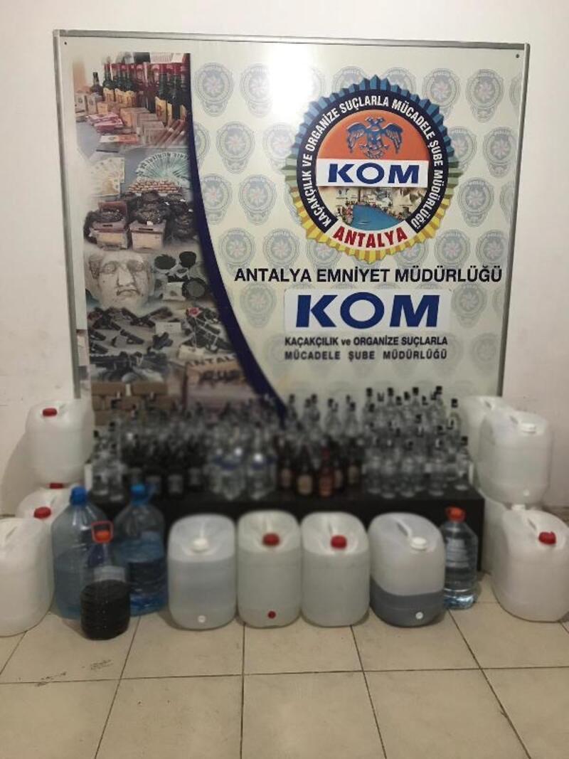 Antalya'da 569 şişe 'sahte içki' ele geçirildi: 2 gözaltı