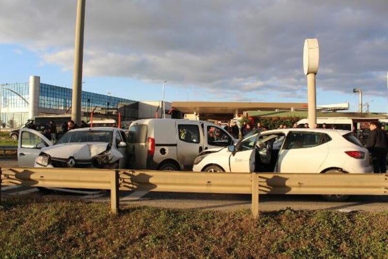 Silivri'de zincirleme trafik kazası: 1'i ağır, 6 yaralı