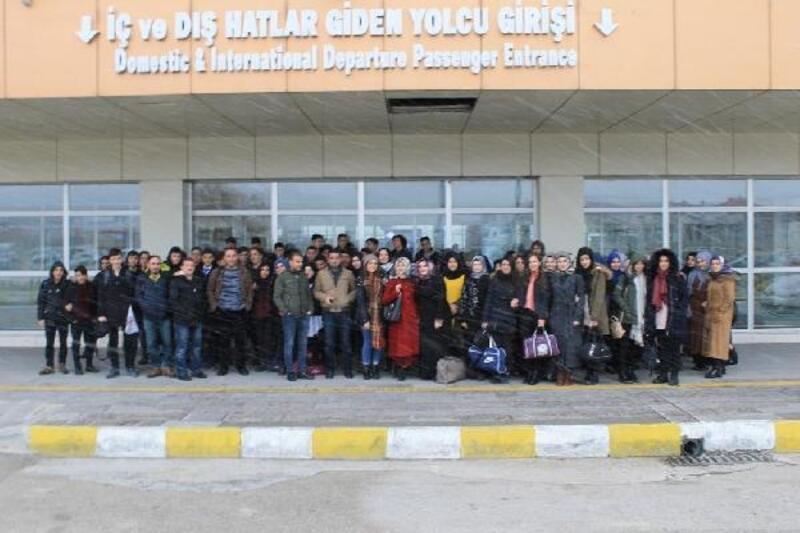 Bitlis'te 80 öğrenci İstanbul'a gönderildi