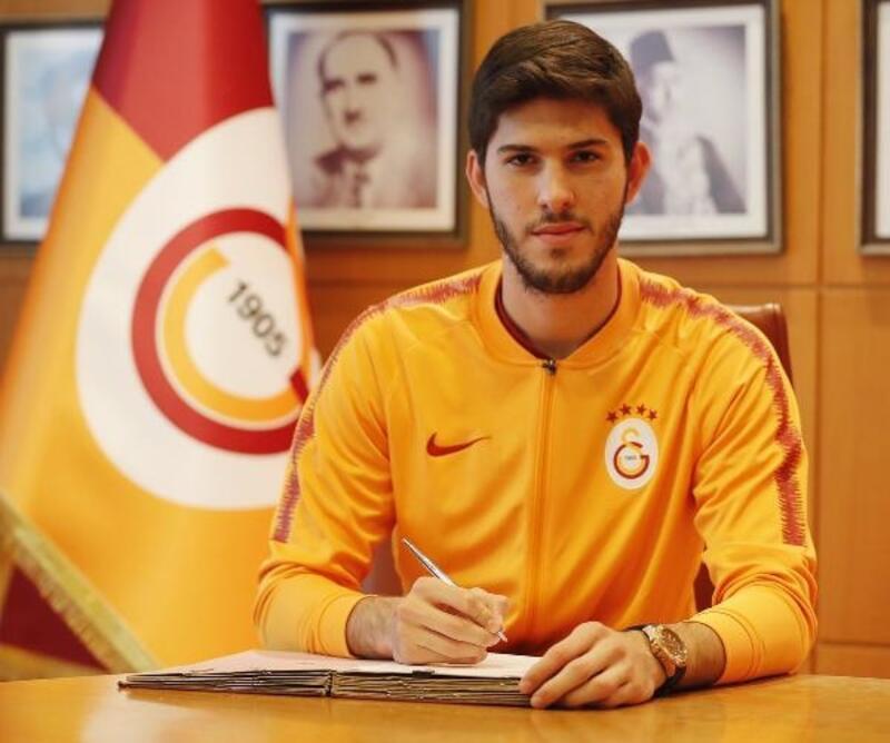 Galatasaray, genç oyuncularının sözleşmelerini uzattı