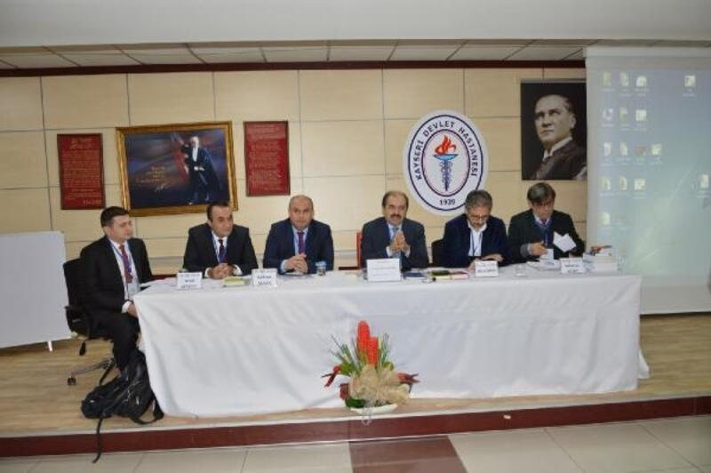 Kayseri'de sağlık çalışanlarına hakları anlatıldı