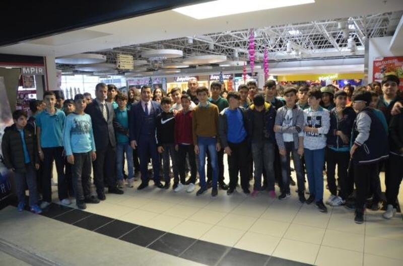 Mersin'de sinemaya gitmeyen öğrenci kalmayacak