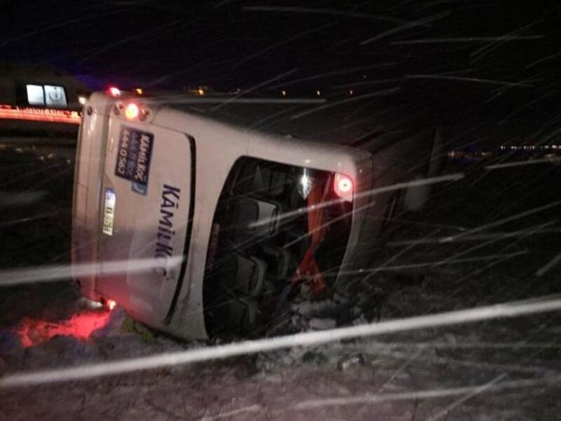 Isparta'da yolcu otobüsü devrildi: 17 yaralı