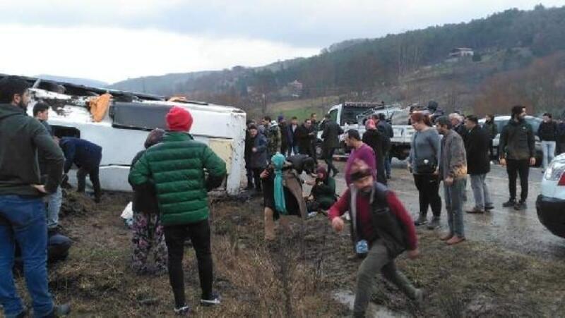 Bursa'da cenaze dönüşü kaza: 19 yaralı