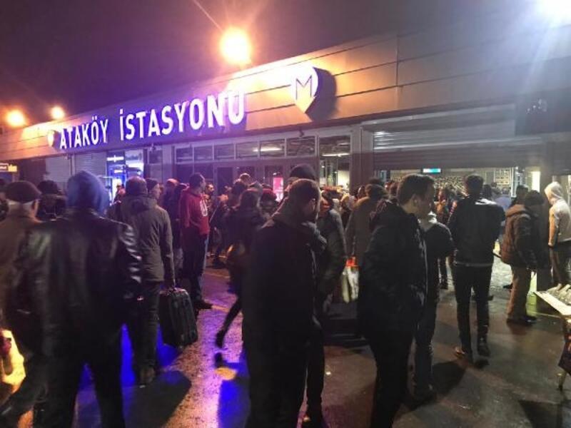 Metro yolunda intihar: seferler aksıyor