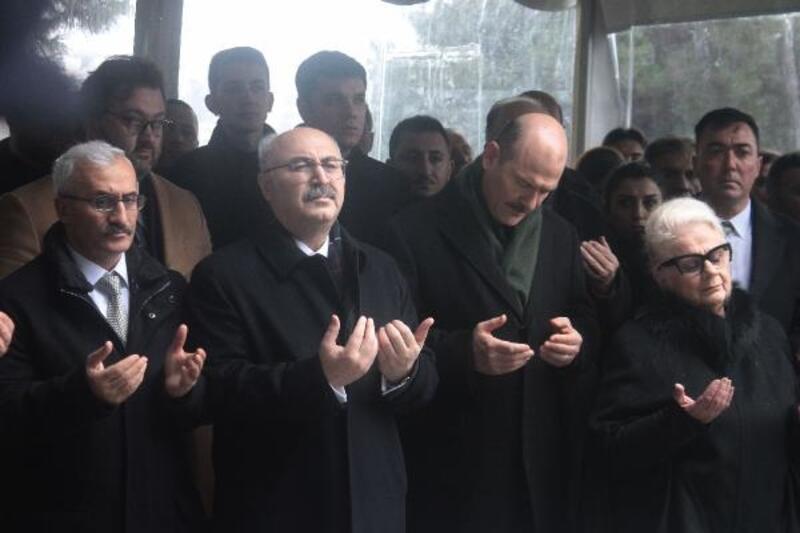 Aydın Menderes mezarı başında anıldı