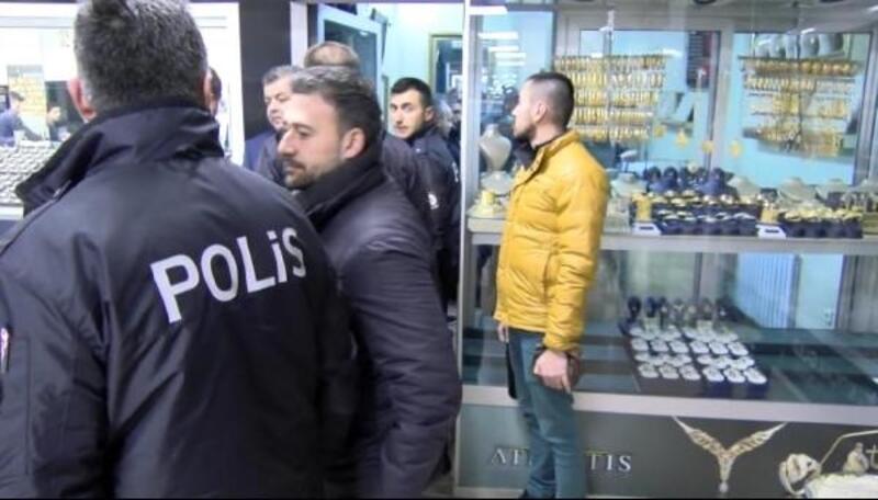 Bilezik çalarken yakalan üniversiteli adli kontrolle serbest