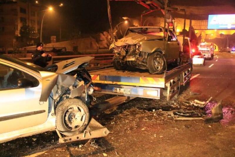 Bulvarda ters yönde ilerleyen araç kazaya neden oldu: 4 yaralı