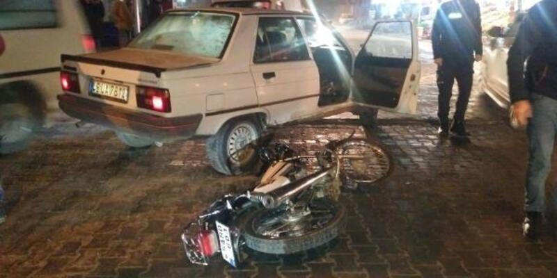 Otomobil ile motosiklet çarpıştı: 1'i bebek 4 yaralı