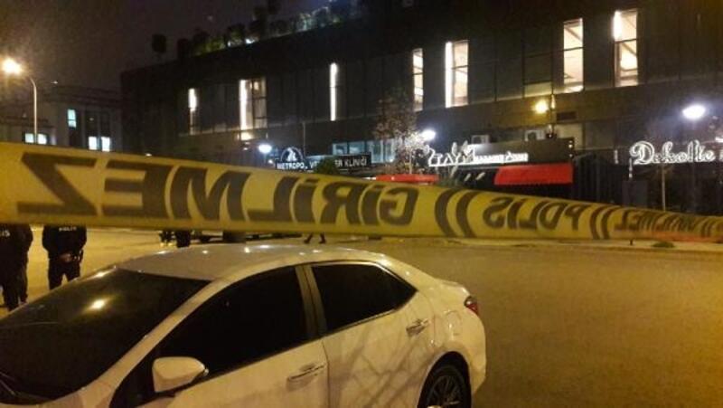Ataşehir'de gece kulübüne silahlı saldırı: 5 yaralı(1)