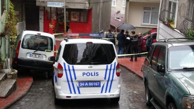 İstanbul'da otomobile ateş açıldı