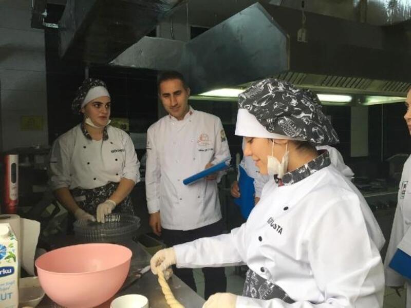 Çukurovalı aşçılar geleceğin mutfak şeflerine güç verdi