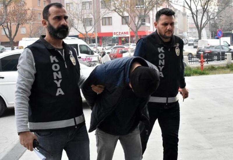 Bıçaklı gaspçı, aynı montu giyince yakalandı