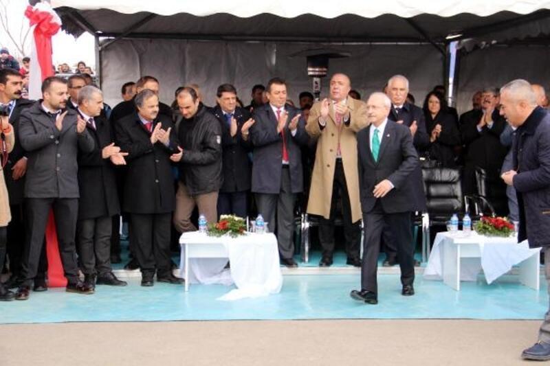 Kılıçdaroğlu, Çat'ta İslam Eserleri Müzesi'ni açtı