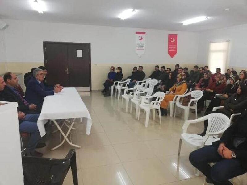Milli Eğitim Müdürü Gündeş Suriyeli öğrencileri ziyaret etti