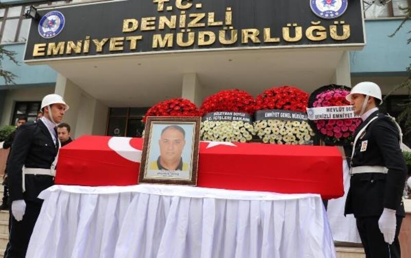Kalp krizinden ölen polis memuru, törenle uğurlandı