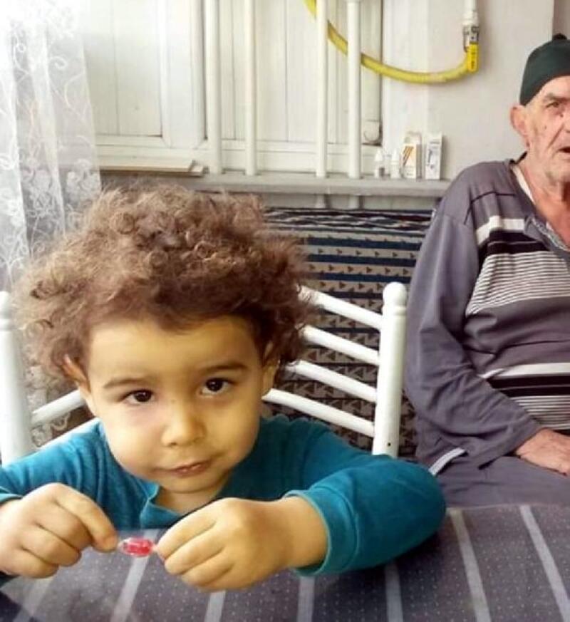 Yangında ölen 3 yaşındaki Yağız Efe, son yolculuğuna uğurlandı