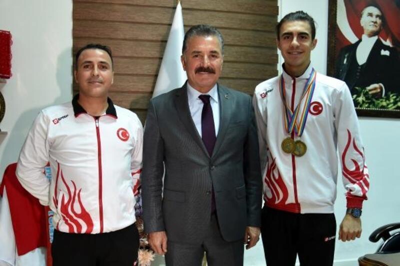 Başkan Tuna: Sporcularımızın başarıları gurur veriyor