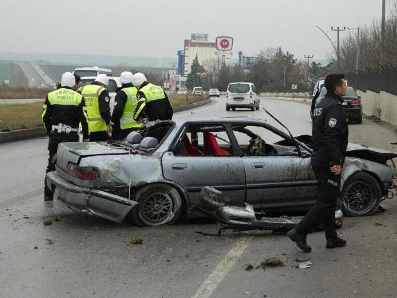 Takla atan otomobilin sürücüsü yaşamını yitirdi