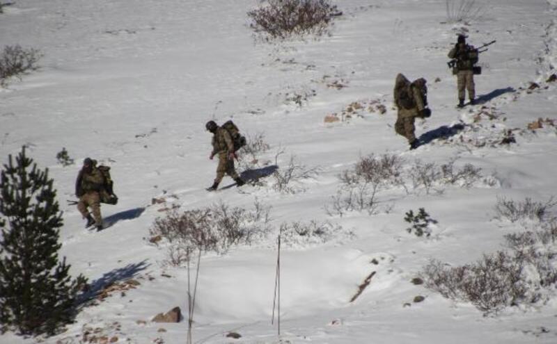Karadeniz'den kaçan 2 terörist, Tunceli'de mağarada öldürüldü