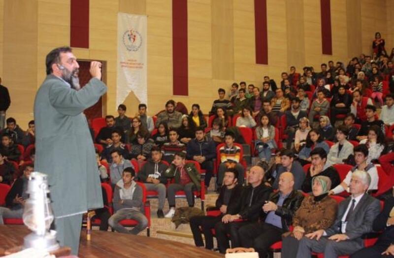 'Korkma' Antalya'da sahnelendi