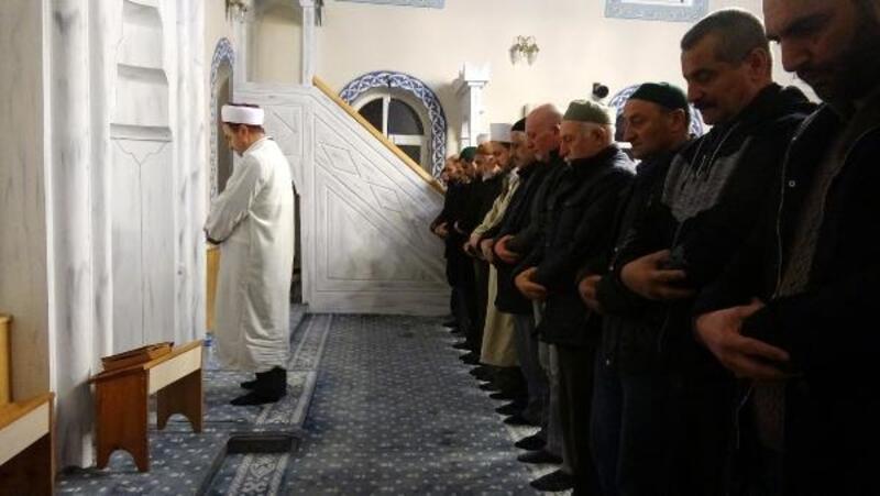 Camide sabah namazında 'kahvaltı' ikramı, cemaati artırdı