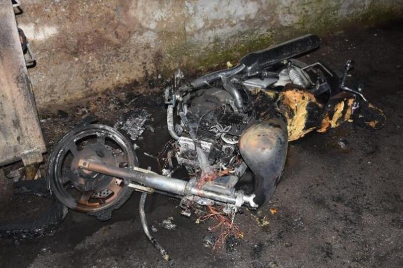 10 gün önce çalınan motosiklet, ateşe verildi
