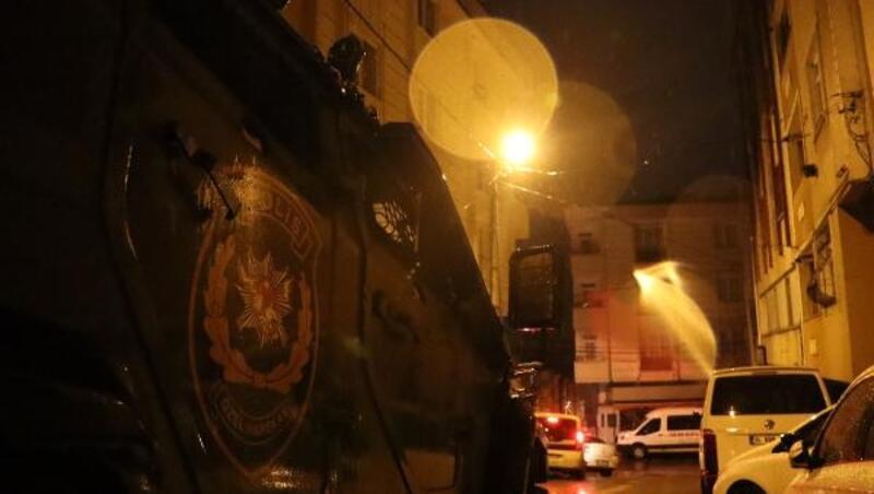 İstanbul'da sokak satıcılarına şafak baskını: 40 gözaltı