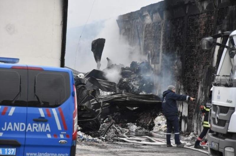 Ergene'de geri dönüşüm fabrikası yangında kül oldu