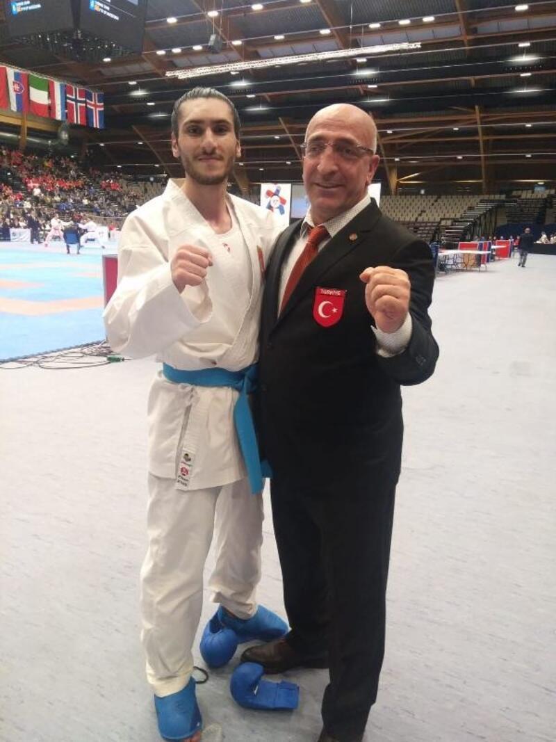 Genç taekwondoculardan 14 kota