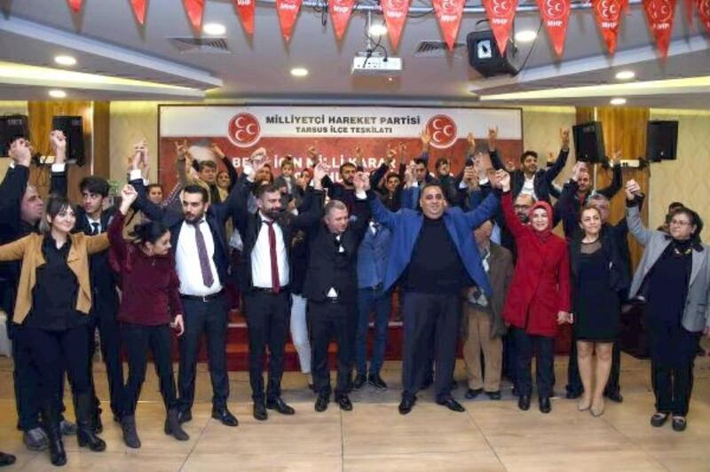 Tarsus'ta 297 kişi MHP'ye geçti
