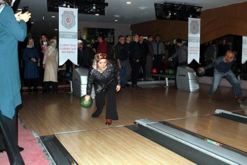 Kahramanmaraş'ta şehit aileleri ve gaziler bowling turnuvasında buluştu