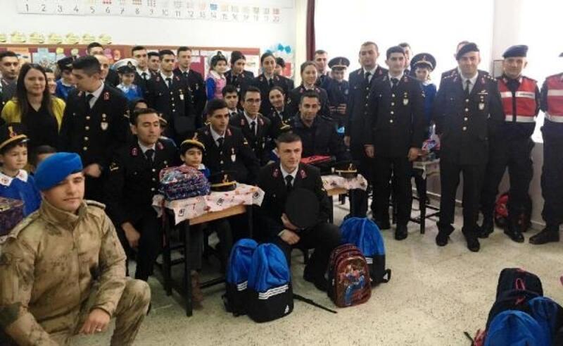 Jandarmadan Çubuk'ta okul ziyareti
