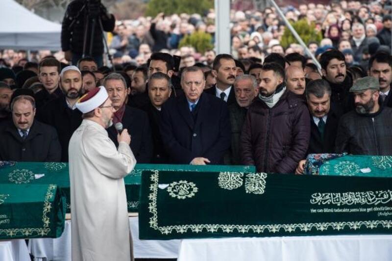 Cumhurbaşkanı Erdoğan, Alemdar ailesinden 9 kişinin cenaze törenine katıldı